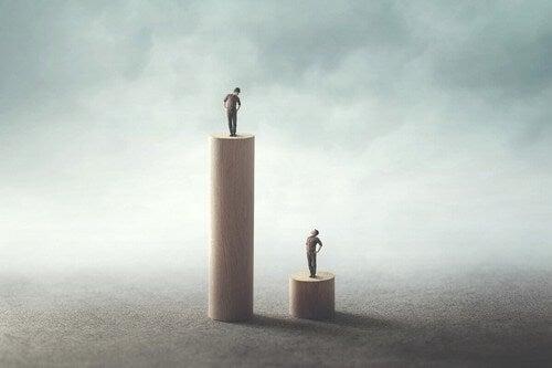 Diseguaglianze sociali tra due uomini.