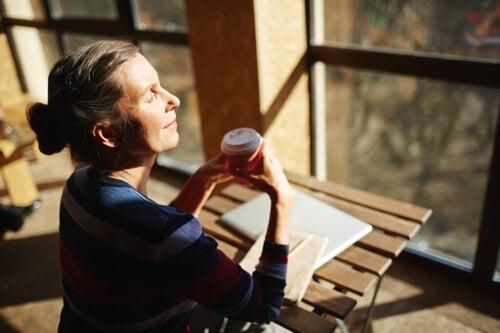 Controllare l'ansia e lo stress per raggiungere il benessere emotivo