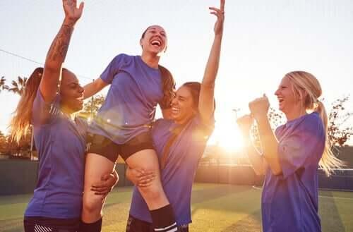 Donne e sport, sotto un soffitto di cristallo