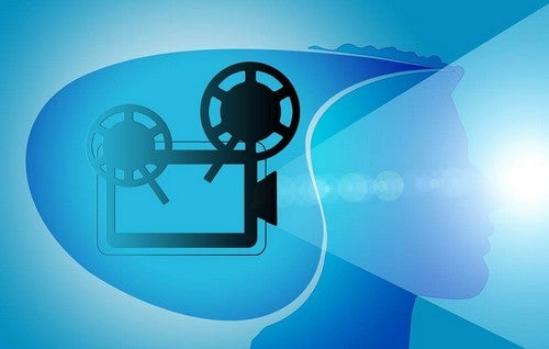 Cinepresa e film mentali.