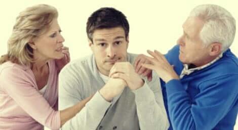 Affrontare la separazione dei genitori da adulti è a volte difficile.