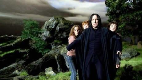Piton protegge Harry, Hermione e Ron.