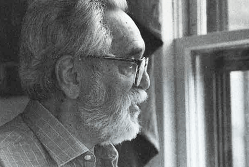Salvador Minuchin alla finestra.