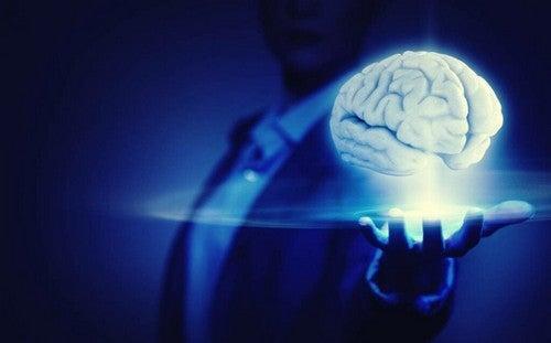 La telecinesi: pseudoscienza o abilità psichica?