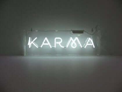 Leggi spirituali del successo di Deepak Chopra per il karma.