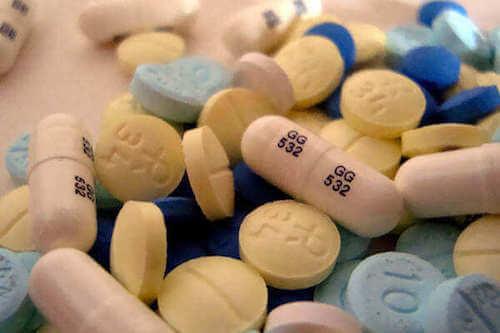 Farmaci antidepressivi e pillole di benzodiazepine.
