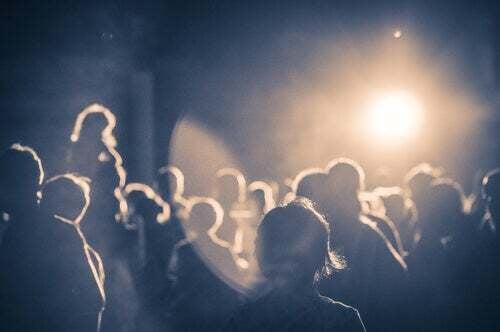 Folla ad un concerto.