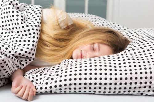 Dormire fino a mezzogiorno da adolescenti