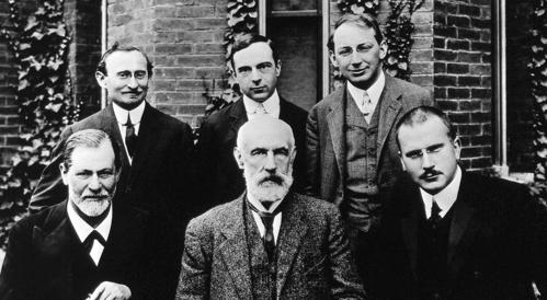 Freud e Jung con i colleghi.