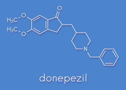 Formula chimica del donepezil.