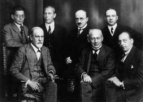 Max Eitingon e altri psicoanalisti.