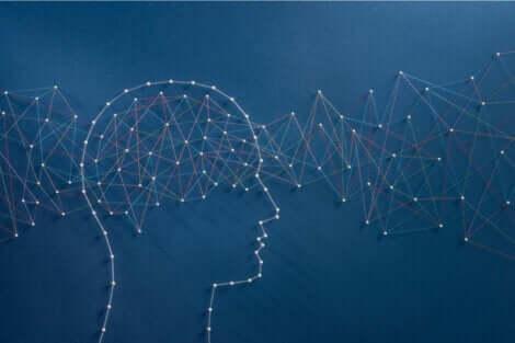 Cervello con fili intrecciati.