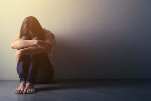 Persona triste e prevenire il suicidio.