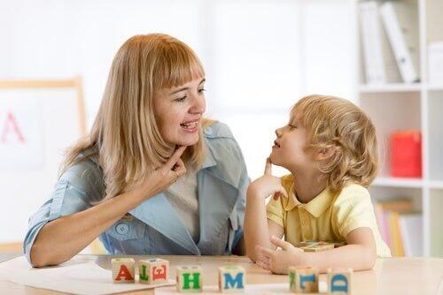 Dislalia: caratteristiche, tipi e trattamento