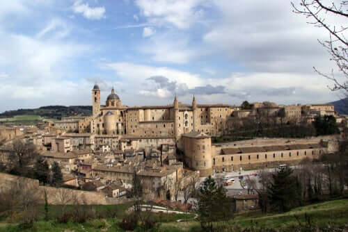 Urbino, la città in cui è nato Raffaello Sanzio.