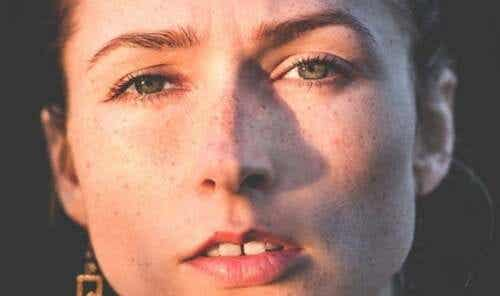 Donne psicopatiche: come si comportano?