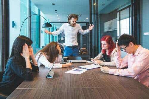 Sopravvivere in un ambiente di lavoro tossico