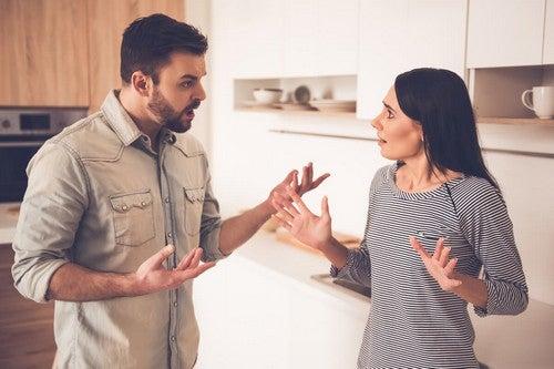 Una coppia che discute.
