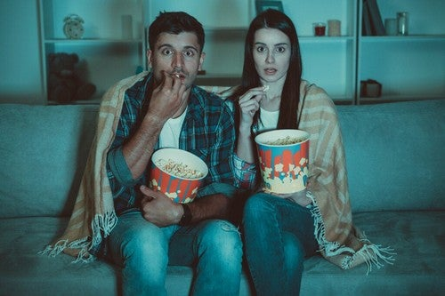 Dipendenza da serie TV: un (lucroso) stile di vita
