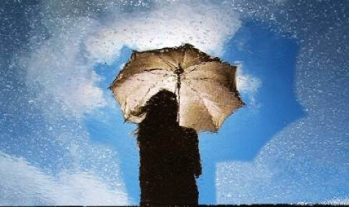 Test della persona sotto la pioggia