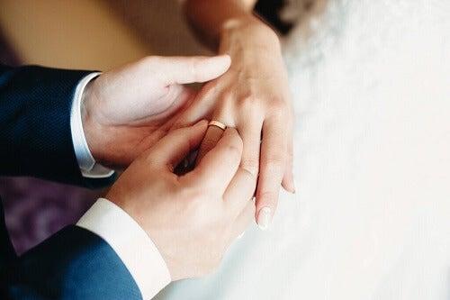 La bigamia: di cosa si tratta?