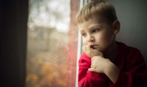 Bambino triste.