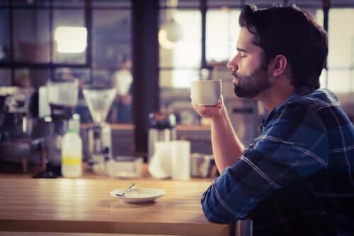 Gli effetti della caffeina sul cervello, quali sono?