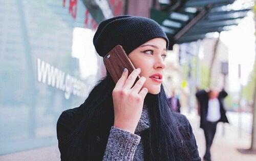Autobiografia digitale: il cellulare sa tutto sulla nostra vita