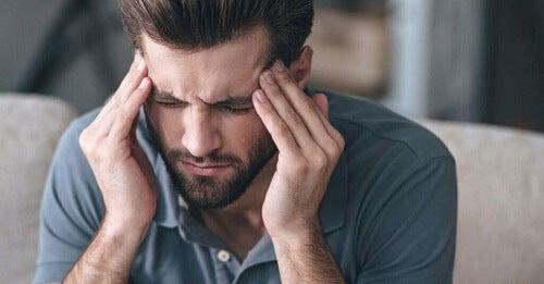 Combattere il mal di testa secondo la scienza