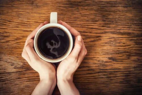 Una tazza di caffe.