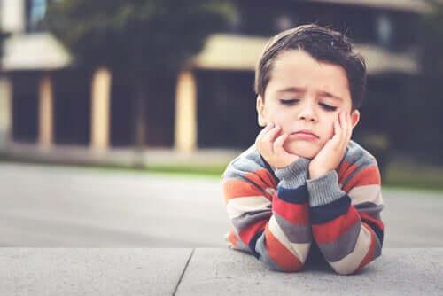 Etichettare un bambino come pigro è negativo?
