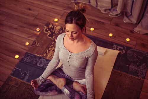 Meditare contro le emozioni distruttive.