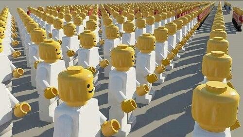 Omini lego in fila.
