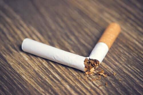 Sigaretta spezzata.