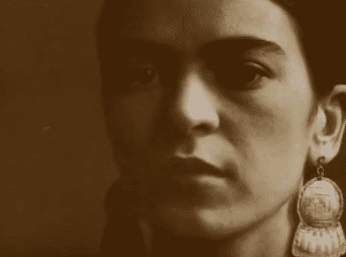 Primo piano di Frida Kahlo.