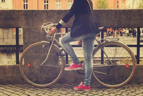 Andare in bicicletta: perché non si dimentica?