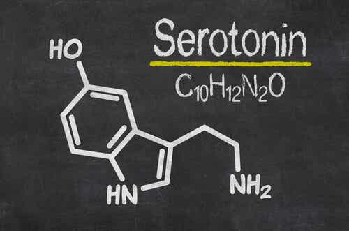 Formula chimica della serotonina.