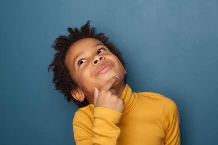 Bambino che usa il pensiero episodico futuro.