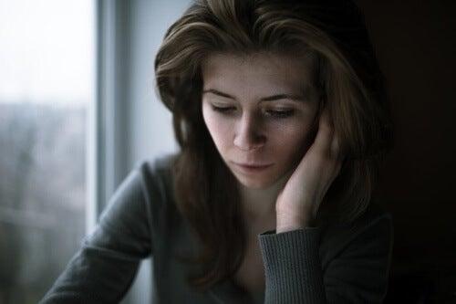 Isolamento affettivo: separare le emozioni dai pensieri