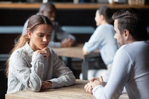 La mancanza di fiducia può farci apparire egoisti