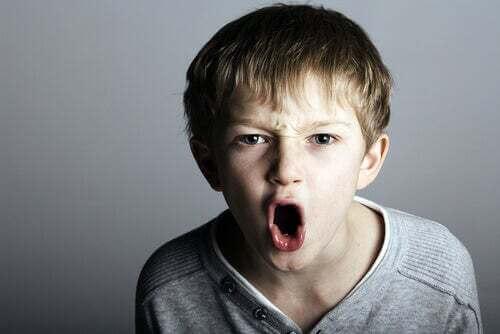 Il bambino prepotente può trasformarsi in un adulto violento e narcisista
