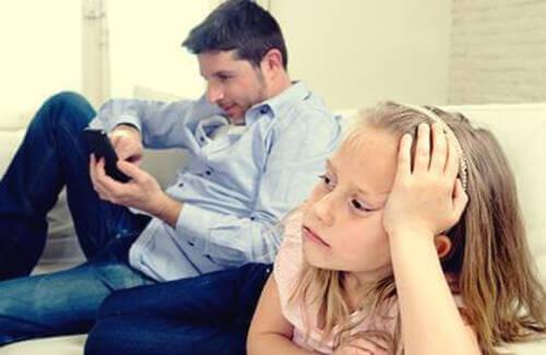 Genitori emotivamente assenti e conseguenze