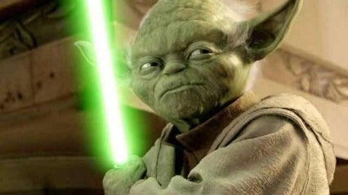 Yoda con la spada laser