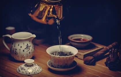 La cerimonia del tè: un rito ricco di fascino