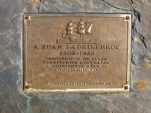 Juan Ladrillo lapide commemorativa.
