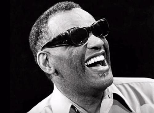 Ray Charles, biografia di un uomo controverso